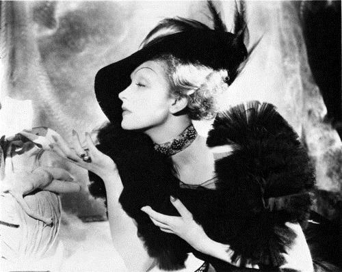 Marlène Dietrich : Ses premières chansons