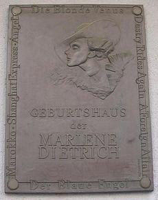 Marlène Dietrich : Elle retourne dans son pays d'origine