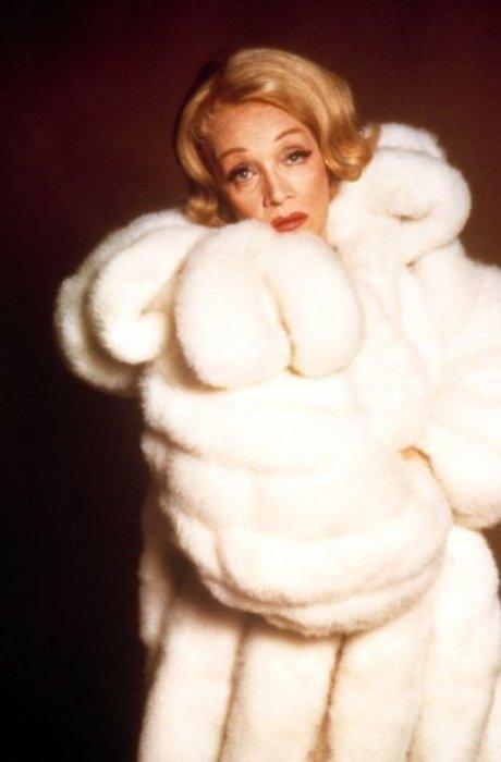Marlène Dietrich : Elle meurt à Paris