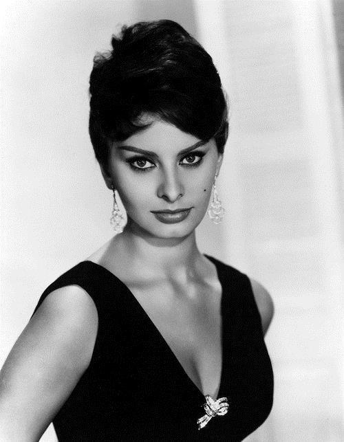 Sophia Loren : Une enfance et une jeunesse difficiles