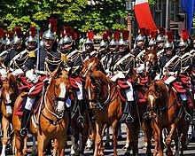 Les unités défilant sur les Champs-Élysées : Unités montées