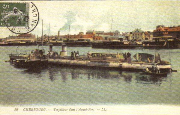 Cherbourg : Torpilleur dans l'Avant-Port