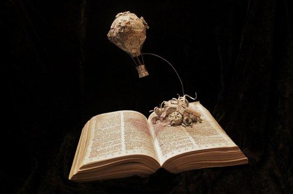Jordi Harvey Brown donne vie à des Histoires en Créant de Sublimes Sculptures de Papier