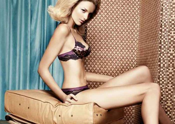 Andres Sarda Automne Hiver 2011