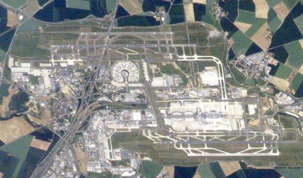 l'inauguration de l'aéroport Roissy-Charles-de-Gaulle , il y a 40 ans ...