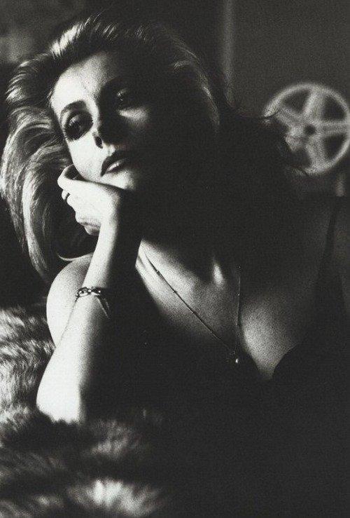 Catherine Deneuve photographiée par Helmut Newton 1976