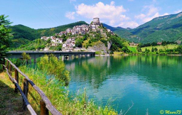 Lac Turano, Italie