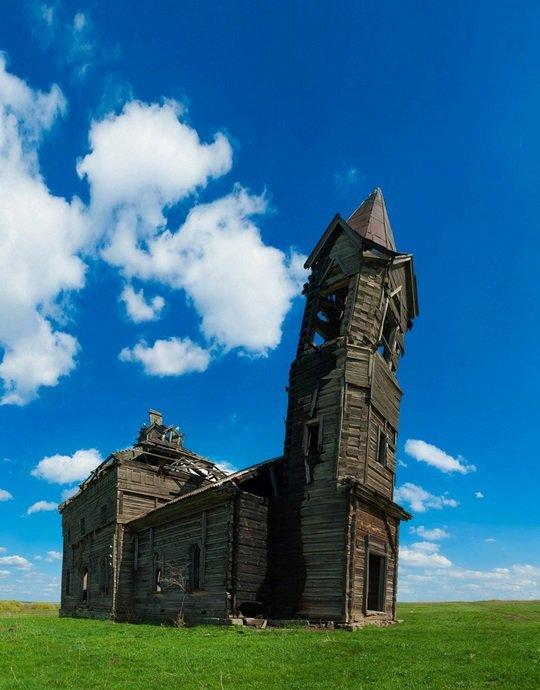 L'église en bois de l'Archange Michael