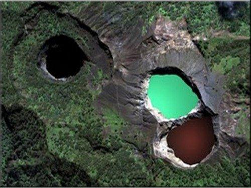 Les Lacs de Kelimutu - Indonésie