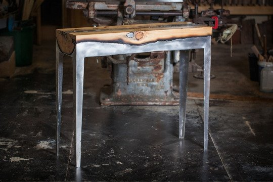 Hilla Shamia crée superbe fonte d'aluminium et tableaux hybrides de bois .