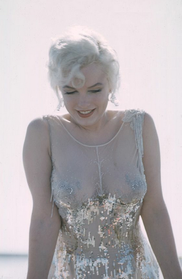Marilyn Monroe sur le plateau Certains l'aiment chaud 1958