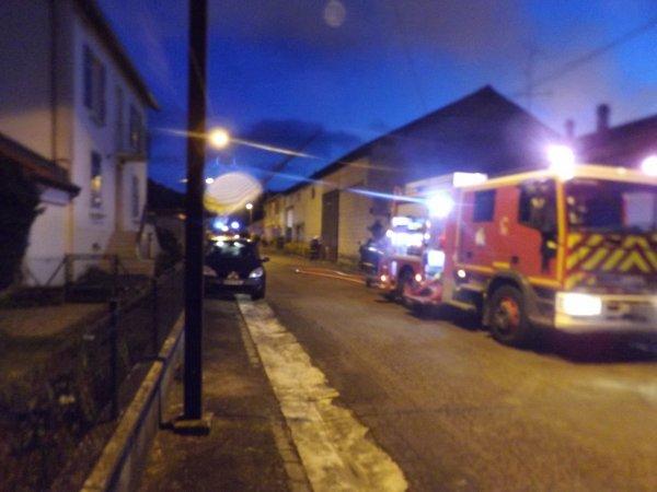 le feu dans ma rue à quelques pas de chez moi