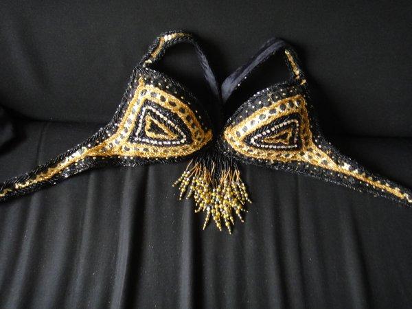 Costume Noir et Or à vendre NEUF
