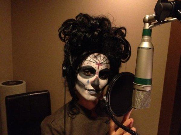 2 Novembre ♦ Il semblerait que Dianna soit passée en studio d'enregistrement pour une chanson de l'épisode des Sectionnals !