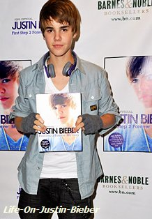 Les jeunes garcons l'imitent par dizaines de milliers. En quelques mois, Justin Bieber a imposé son look a toute une génération d'adolescents. Mais comment fait-il donc ?!