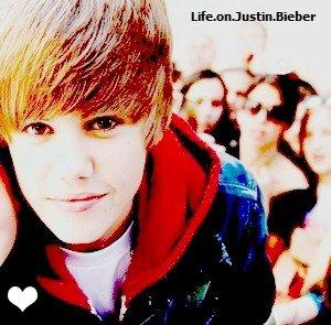 Un jour j'irais le voir, il sera la devant mes yeux, sur scène en train de chanter ! Never say never ... ♥.