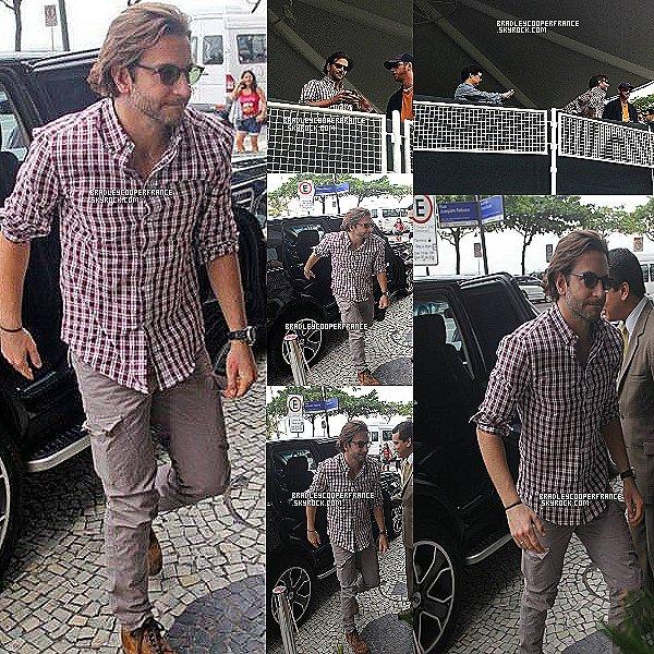 29 & 30/05/13 - Bradley dans son hôtel et dans les rues de Rio ♥    Accompagné de toute l'équipe