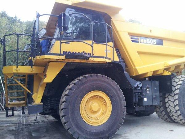 Toujoure en carriere KOMAT'SU  HD605