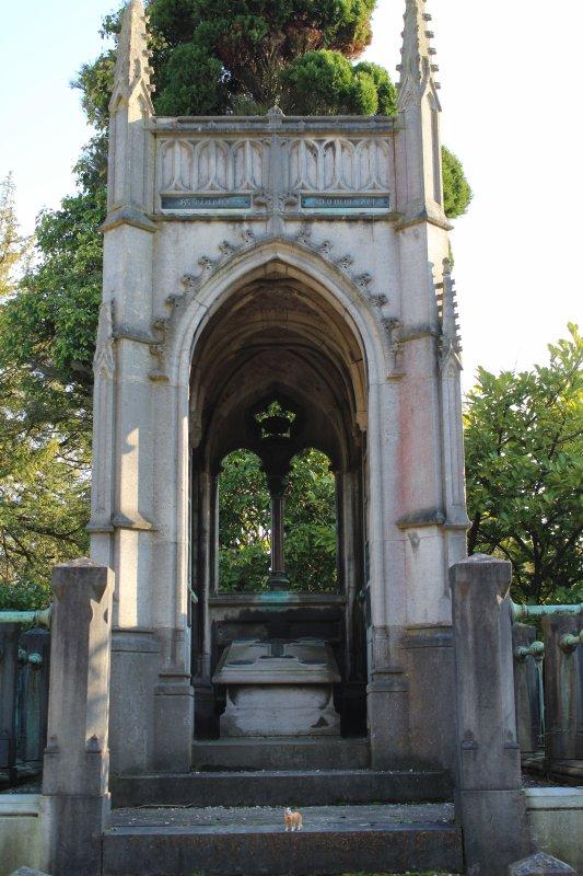 Une Ballade dans un lieu peu commun : Un Cimetière