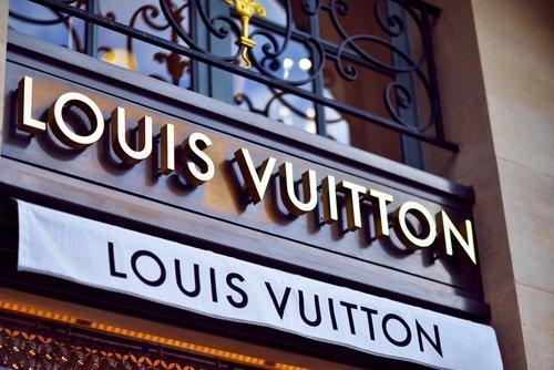 Devanture de LouisVuitton ! N'est-elle pas magnifique !