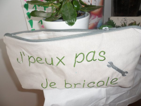 COUTURE BRODERIE