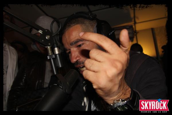 Mister You au micro de Skyrock dans Planète Rap