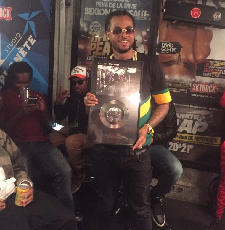 Kalash reçoit son single de platine !