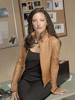 L'agent spécial du FBI BAU Ellie Greenaway (Elle dans la version originale)