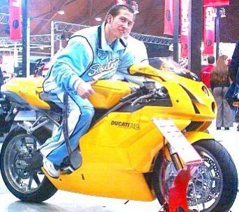 Moto Ducati Jaune