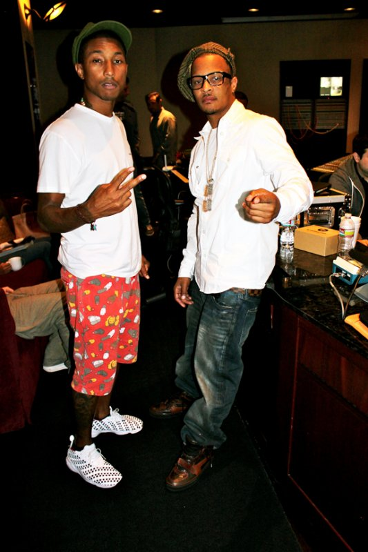 Pharrell en studio avec T.I. - Los Angeles - 1er septembre 2010