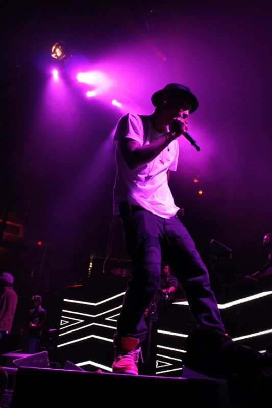 N.E.R.D NEW - Inside Of Clouds - Agganis Arena - Boston, MA - 6 octobre 2010