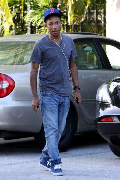 Pharrell Williams - Arrivée Art Basel - Miami, FL - 30 novembre 2010
