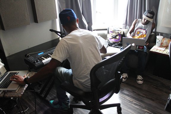 Pharrell en studio avec Tyler The Creator & Left Brain - 11 mars 2011 + en studio avec Buddy - mars 2011