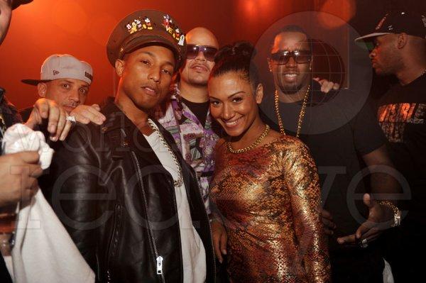 Pharrell - Anniversaire de DJ Khaled @ Mansion Night Club - Miami, FL - 25 novembre 2011