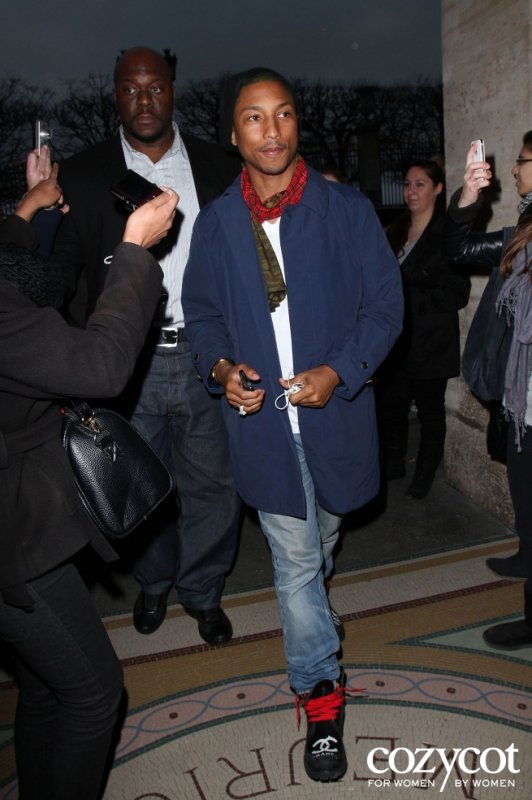 "Pharrell - Hôtel ""Le Meurice"" - Paris, France - 2 mars 2012"