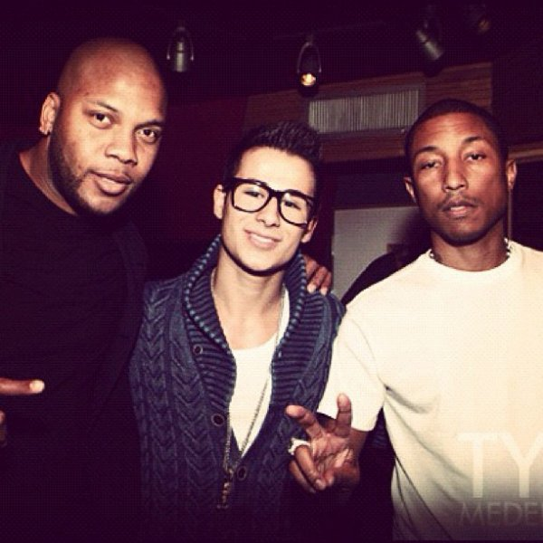 Pharrell en studio avec Flo Rida & Tyler Medeiros  - Mars 2012
