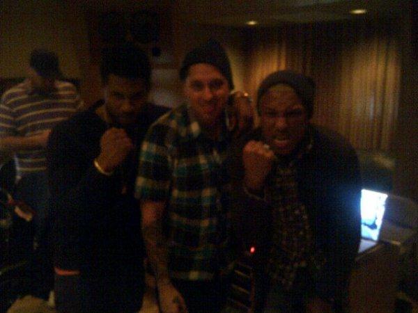 """Pharrell en studio avec Usher & """"Natural"""" - 27 mars 2012"""
