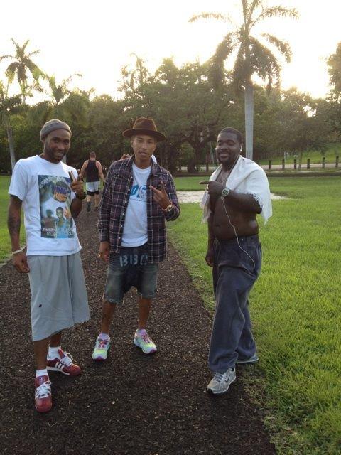 Pharrell - Visite à un camp d'entraînement - 19 juillet 2012