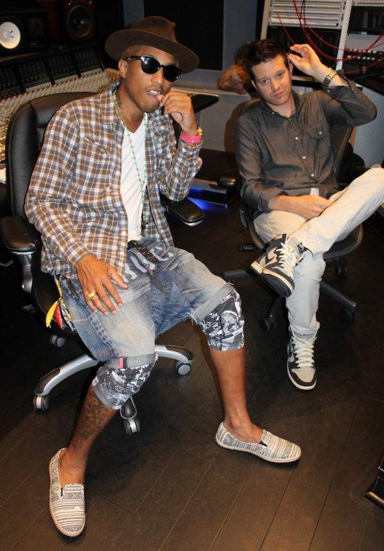 Pharrell en studio avec ... - septembre 2012