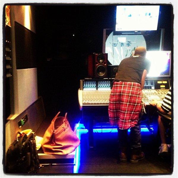 Pharrell en studio avec ... - 13 novembre 2012
