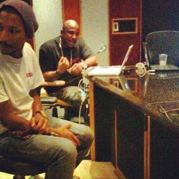 Pharrell en studio avec ... - 14 novembre 2012
