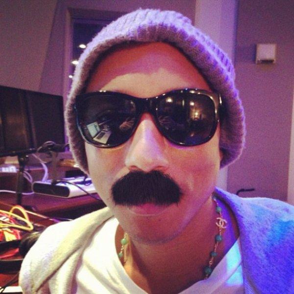 Pharrell en studio avec Cris Cab - 27 décembre 2012