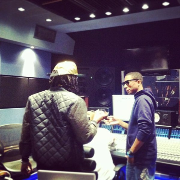 Pharrell en studio avec Cash Out - Circle House Studio, Miami - 12 janvier 2013