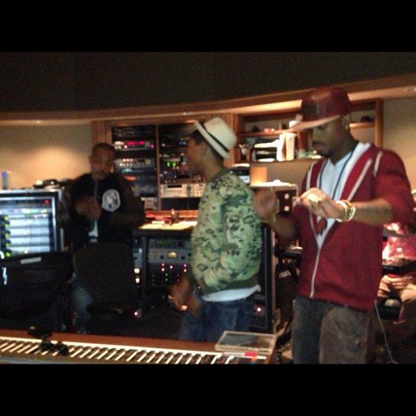 Pharrell en studio avec ... - 11 février 2013