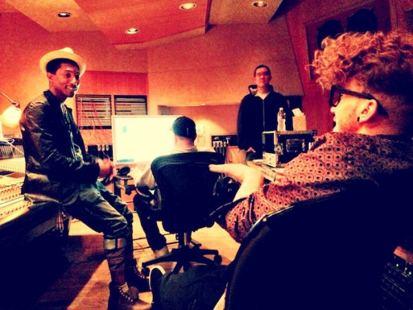 Pharrell en studio avec ... -  16-17 février 2013