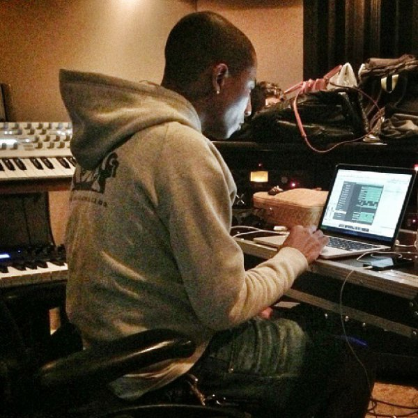 Pharrell en studio ... - NYC - 11 septembre 2013