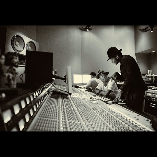 Pharrell en studio avec ... - Atlanta -  Octobre 2013