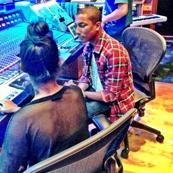 Pharrell en studio avec ... - Octobre 2013