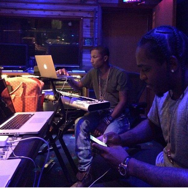 Pharrell en studio avec ... - 26 octobre 2013
