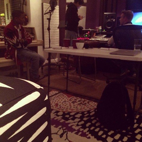 Pharrell en studio avec ... - 28 octobre 2013